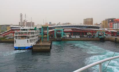 ferry-001.JPG